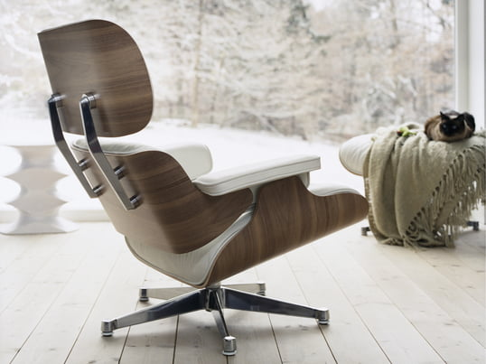 Le vitra Lounge chair en Blanc.