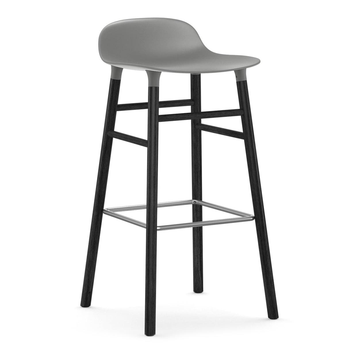 Normann Copenhagen - Form Tabouret de bar 75 cm, piètement chêne noir / gris